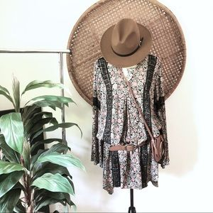 Knox Rose Boho dress. Bell sleeve. Size medium.